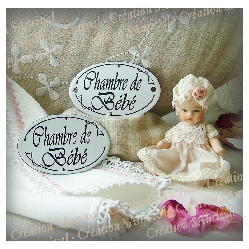 Petite plaque ovale de porte en mail chambre de b b for Petite chambre de bebe