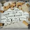 12 etiquettes en émail blanc pour la cave dans son sac en lin