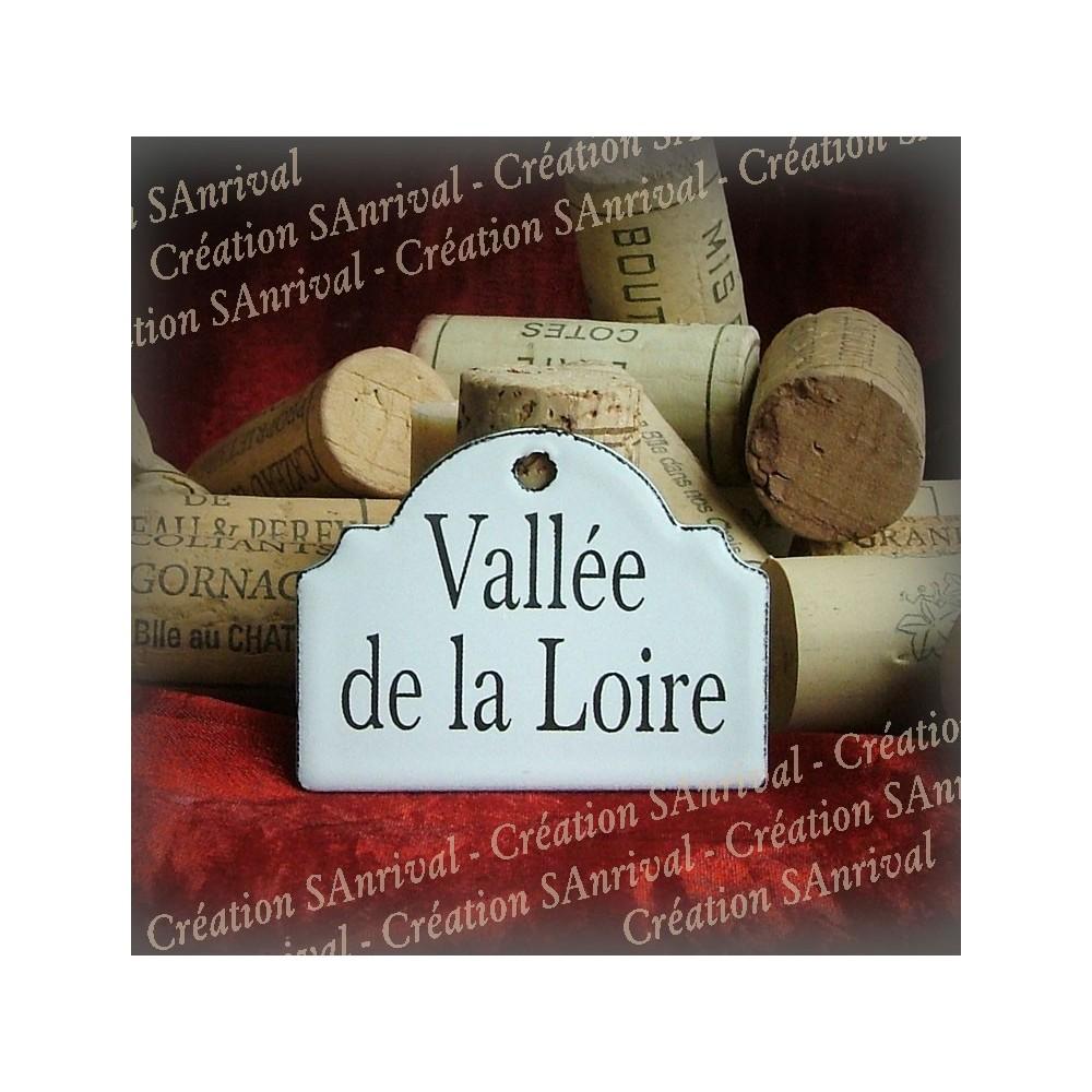 Petite Etiquette en émail blanc pour la cave : Beaujolais