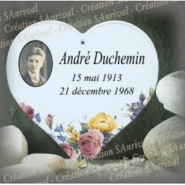 Plaque funéraire personnalisée émaillée blanc forme coeur avec photo et décor fleur