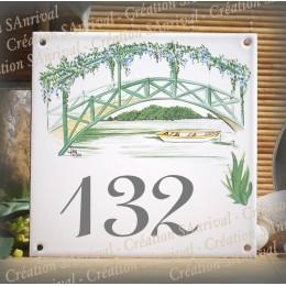 Numéro de rue émaillé décor petit pont 15x15cm