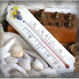 This thermometer is an ideal gift for the decoration of the wine cellar
