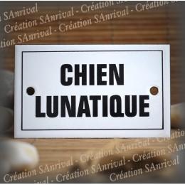 """Enamel plate """"Chien lunatique"""" with border"""