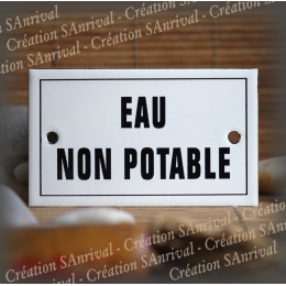 "Enamel plate ""Eau non potable"" with border"
