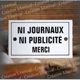 "Enamel plate ""Ni journaux ni pub merci"" with border"